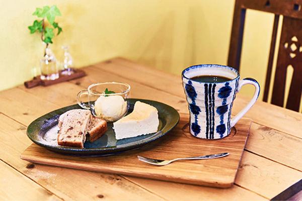 福島県いわき市にあるお店で出しているケーキとコーヒー